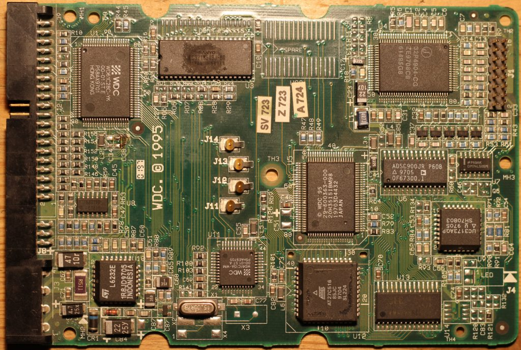 Плата жесткого диска WD AC2100 (вид со стороны компонентов)