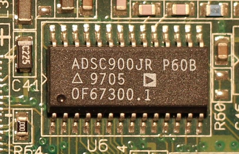 Микросхема ADSC900JR установленная на плате WD 21000